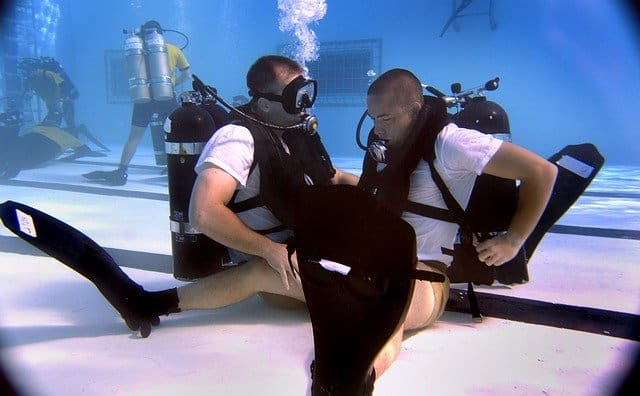 scuba diving training either padi or ssi