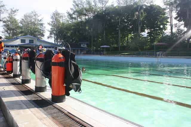 dive tanks equipment