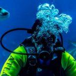 scuba diving bubbles