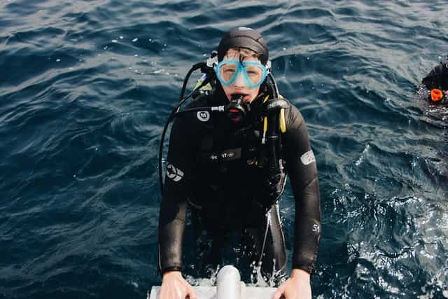 scuba diving getting out